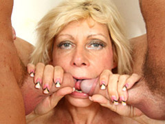 Mommy banged by two dicks videos