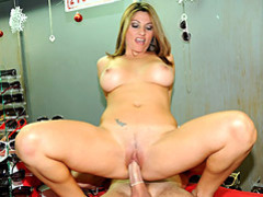 Banging the curvy milf at work movies at kilopics.net