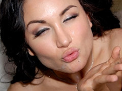 Big cumshot across her face movies at freekilosex.com