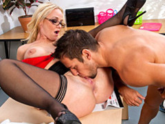 A tongue makes the milf wet movies at freekilomovies.com