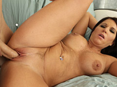 Curvy brunette milf sex movies at kilopics.net