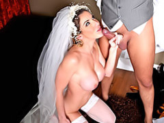 Bride in her veil fucked movies at freekilosex.com