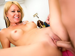 Great view of milf pussy fucking movies at kilopics.net
