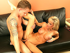 Cougar with such a hot body movies at find-best-mature.com