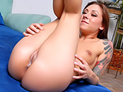 Delicious cameltoe cumshot movies
