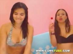 Hot lesbians fucking on webcam videos