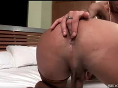 Tranny in sexy stockings gets her ass eaten out videos