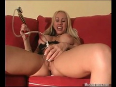 Bimbo blonde pumps up her pussy lips videos