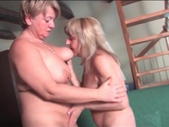 Cunt licking and titty sucking grany babes videos