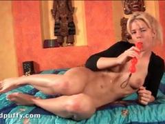 Cute blonde dildo fucks her steamy cunt videos