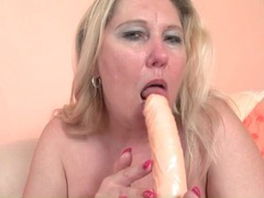 Chubby blonde mature fucks her cunt with a toy movies