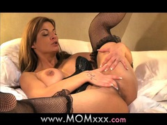 Mom mature milf shows her experience videos