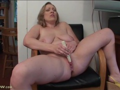 Fat mom makes her pussy feel good with a toy movies at dailyadult.info
