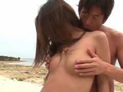 Slender japanese body looks gorgeous in a bikini videos