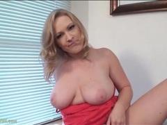 Voluptuous vicky vixen vibrates her clitoris videos