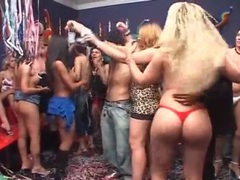 Shemale party girl gives a hot blowjob videos