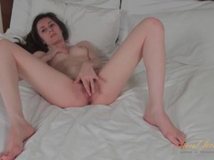 Skinny solo brunette milf masturbates in bed videos