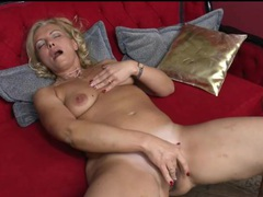Curvy blonde milf fingers her bald pussy movies at sgirls.net
