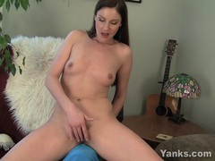 Sexy milf samantha rubbing her pussy movies at kilotop.com