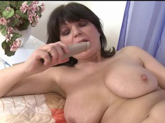 Curvy solo mature fucks cunt with a toy movies at kilosex.com