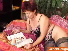 Older amateur cougar squeezing her vagina muscles movies at kilogirls.com