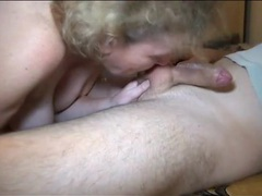Granny gives a blowjob and gets fucked in her box movies at kilotop.com