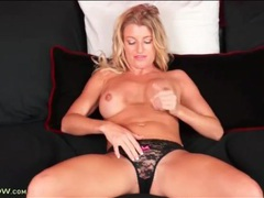 Milf avonca dominica finger bangs her cunt videos