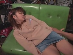 Kissing asian teen and eating her pussy tubes at chinese.sgirls.net