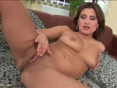 Milf masturbates and gives a sexy blowjob movies at freekiloporn.com