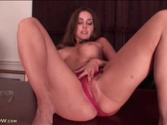 Sexy round titties on solo masturbating girl movies at find-best-hardcore.com