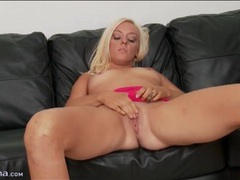 Solo blonde summer haze fingers her pussy videos