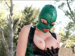 Solo latex fetish babe outdoors movies at sgirls.net