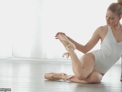 Cayenne klein is a sexy blonde ballerina videos