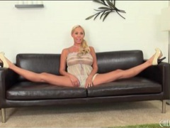 Sheer baby doll on babe doing splits movies at lingerie-mania.com