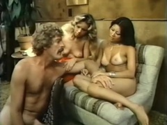 Vintage porn threesome with an asian babe videos