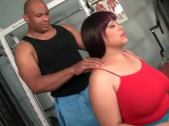Fat girl gets massage from a black man movies at freekiloporn.com
