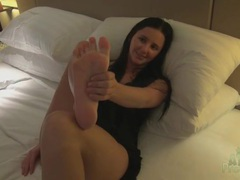 Hope howell teases pussy and feet in hotel room tubes
