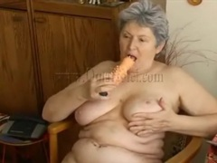 Big tits granny turns on her hole with dildo videos