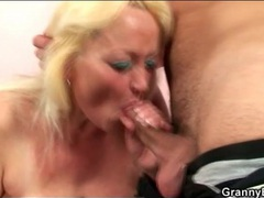 Young dick blown by horny mature blonde videos