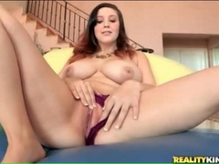 Curvy babe masturbates pussy and fondles tits movies at freekilomovies.com