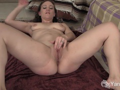 Flexible brunette lou fingering her shaved pussy videos