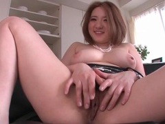 Curvy japanese hottie fucked in her pussy videos