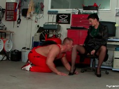 He submits to goddess and licks her legs videos