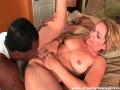 Black guy eats out milf and fucks her lustily videos