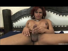 Latina tranny has a good time jerking off movies at kilotop.com
