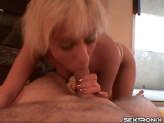 Short blonde hair on amateur blowing him movies at kilosex.com