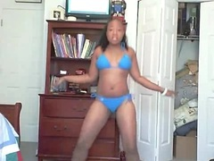 Webcam dance video with black chick in bikini videos