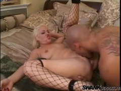 Lady in fishnets opens her legs for anal sex videos
