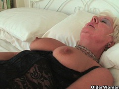 Chubby granny in black stockings masturbates movies at sgirls.net