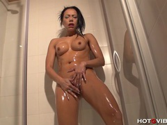 Spanish shower squirter videos